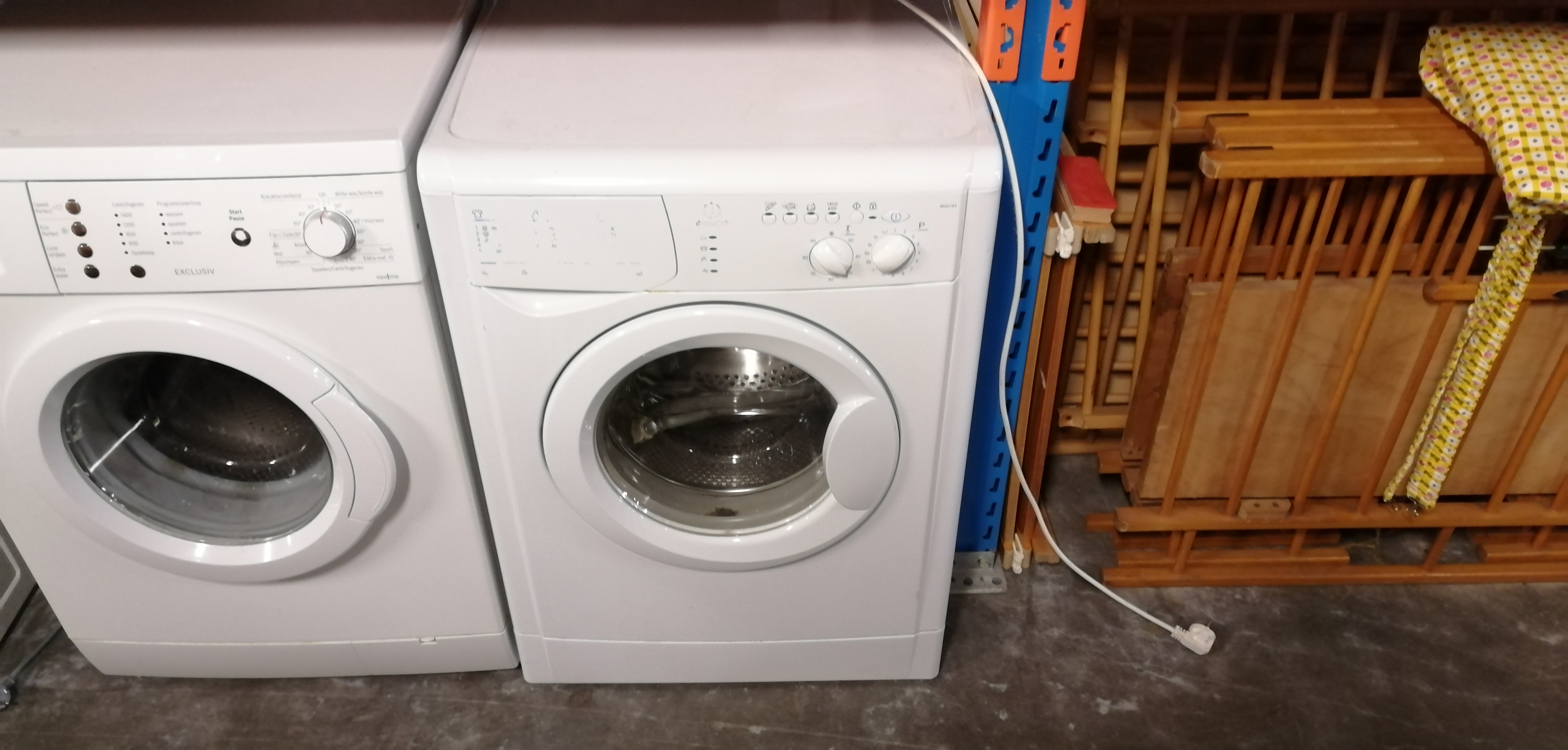 (4463) Indesit wasmachine type nummer: WIAL143